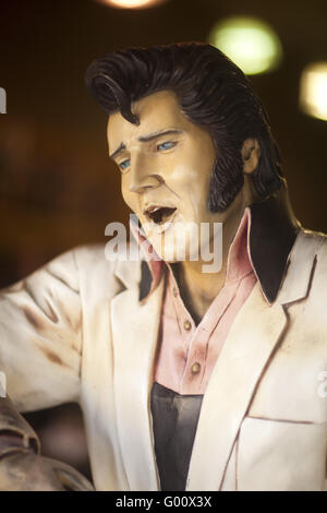 Elvis statue, gift shop, Hollywood Boulevard, Hollywood, California, USA - Stock Photo