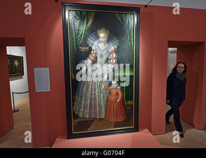Torgau, Germany. 29th Apr, 2016. A painting of Electress Magdalena Sibylla of Saxony and her son Christian at a - Stock Photo