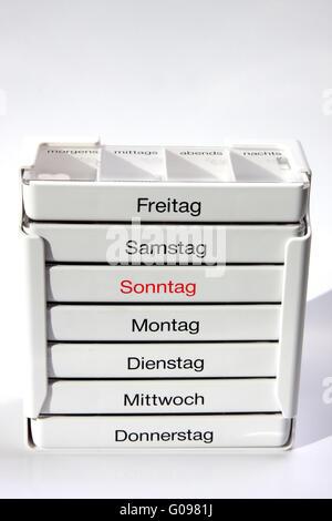 Tablettenbox - Stock Photo