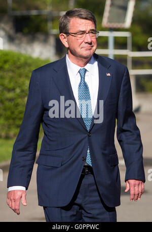 Stuttgart, Germany. 04th May, 2016. US American Secretary of Defense Ashton Carter arrives to the meeting of the - Stock Photo