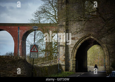 Whalley a large village in Ribble Valley on the banks of the River Calder in Lancashire.  Whalley Gateway ruins - Stock Photo