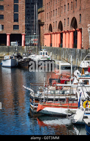 Liverpool albert dock buildings   close up detail exterior The Albert Dock is a complex of dock buildings and warehouses - Stock Photo