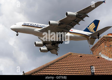Singapore Airlines Airbus A380-841registration / tail number 9V-SKQ approaching Heathrow airport, London. UK.