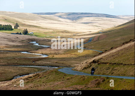 Elan Valley, Powys, Wales, UK. 5th May 2016. Motor cyclists travels on the mountain road in the Elan Valley between - Stock Photo