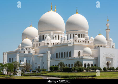 Sheikh Zayed Grand Mosque in Abu Dhabi - Stock Photo