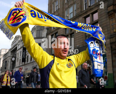 Liverpool, UK. 5th May 2016. Viilarreal fans in Liverpool City Centre ahead of tonights game against Liverpool at - Stock Photo