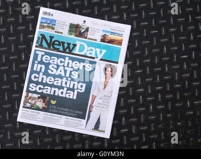 Final edition of The New Day newspaper, last (6th may 16) edition after just nine weeks. - Stock Photo