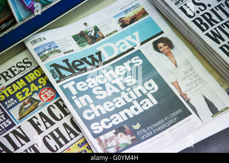 London, UK 6 May 2016 - The final edition of the New Day newspaper in newsagents.            New Day newspaper publishes - Stock Photo