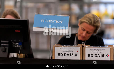 London, UK.  6 May 2016. Adjudicators at work.  Votes for the London Mayoral elections and London Assembly Members - Stock Photo
