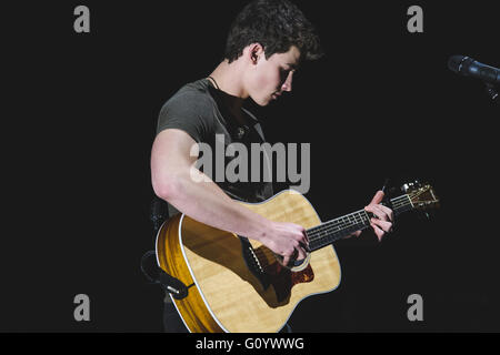 London, UK. 6th May, 2016. Canadian singer/songwriter and model. Shawn Mendes, performs to a sold out crowd at the - Stock Photo