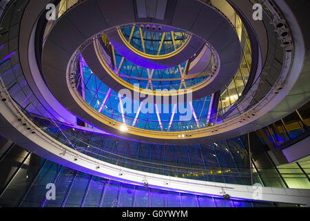 City Hall, London, UK. 6th May, 2016. The Council Chamber is lit for the Declaration of Results for Mayor of London - Stock Photo