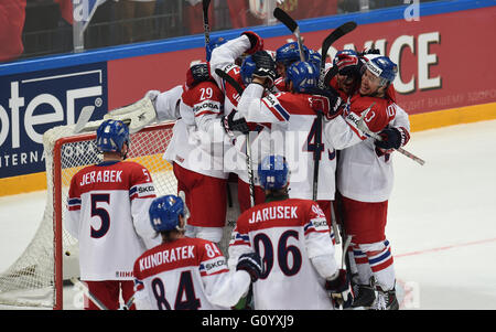 Moscow, Russia. 6th May, 2016. Players of Czech Republic celebrate after winning their 2016 IIHF Ice Hockey World - Stock Photo