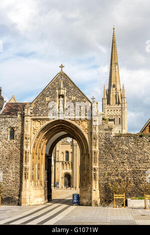 England Norfolk Norwich The Erpingham gate - Stock Photo