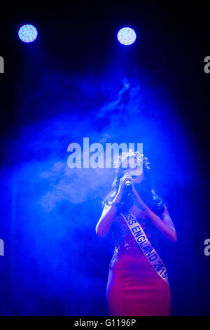 London, UK. 6th May, 2016. Natasha Hemmings the winner of Miss England 2015 sings at Miss London 2016 Finale Credit: - Stock Photo