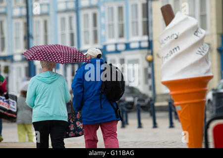 Aberystwyth Wales UK, Saturday 07 may 2016  UK weather: as much of England swelters on the hottest day of the year - Stock Photo