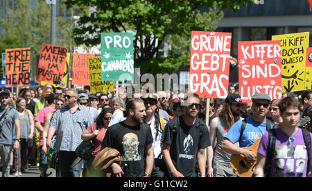 Stuttgart, Germany. 07th May, 2016. People demonstrate for the legalization of cannabis at the Global Marijuana - Stock Photo