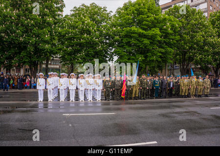 Kryvyi Rih, UKRAINE-07.05.2016:  Victory Day celebrations in front of the Tomb of the Unknown Soldier in Kryvyi - Stock Photo