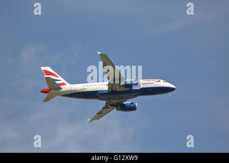 British Airways Airbus A319-131 G-EUPY departing from Heathrow Airport, London - Stock Photo