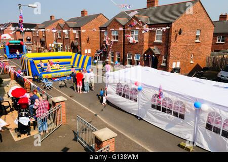 Belfast, Northern Ireland. 29 Apr 2011 - Residents of a street off the Shankill Road celebrate the Royal Wedding - Stock Photo