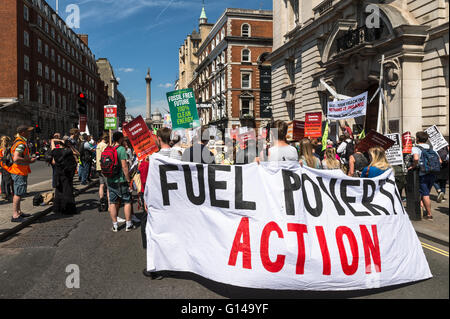 London, UK. 08th May 2016. Activists and campaigners gather to protest against government's policy on climate change. - Stock Photo