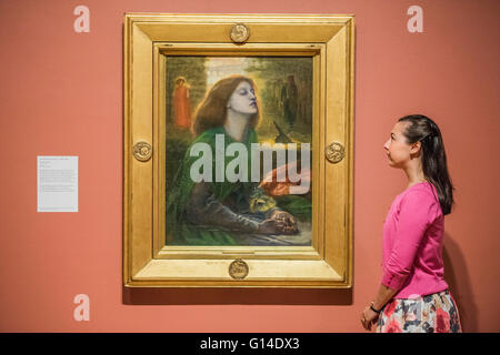 London, UK. 9th May, 2016. Dante Gabriel Rossetti, Beata Beatrix circa 1864-70 - Painting with Light: Art and Photography - Stock Photo