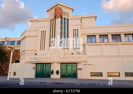 museum of the sea in biarritz art deco architecture basque country stock photo royalty free. Black Bedroom Furniture Sets. Home Design Ideas