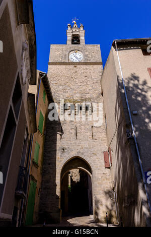 Eglise et Porte sarazine Village de Cucuron Luberon Vaucluse Provence France 84 - Stock Photo