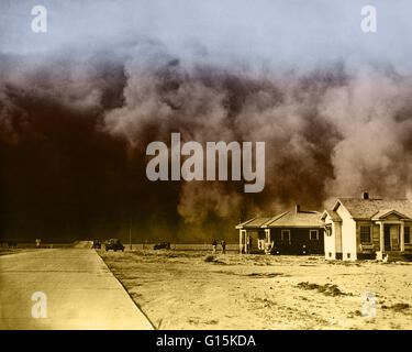 Huge dust storm hits Springfield, Colorado during the Dust Bowl, an agricultural, ecological, and economic disaster - Stock Photo