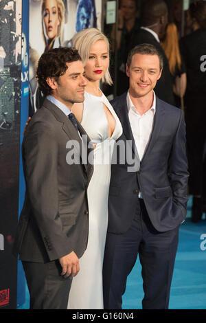 London, UK. 9 May 2016. X-Men actors Oscar Isaac (En Sabah Nur/Apocalypse),  Jennifer Lawrence (Raven/Mystique) - Stock Photo