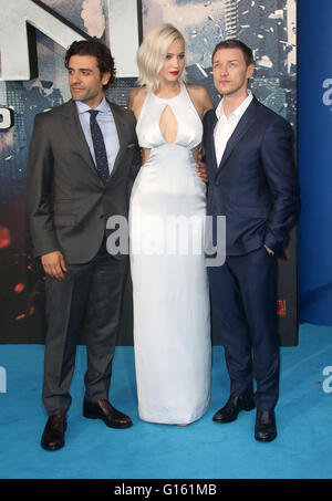 London, UK. 9th May, 2016. Oscar Isaac, Jennifer Lawrence and James McAvoy attending 'X-Men Apocalypse' Global Fan - Stock Photo