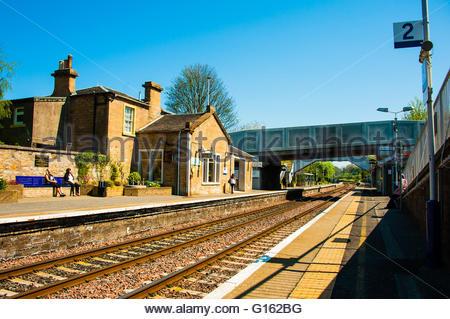 Polmont, Scotland, UK. 9th May 2016. UK Weather, Sunshine in Scotland, Sunshine at Polmont Station, the railway - Stock Photo