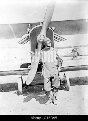 Unidentified pilot standing in front of U.S. Army airplane during World War I, 1918. The Air Service, United States - Stock Photo