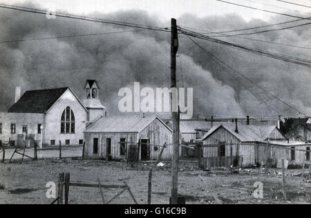 Black roller dust storm is rushing toward Clayton, New Mexico, May 29, 1937. It was one of worst ever to strike - Stock Photo