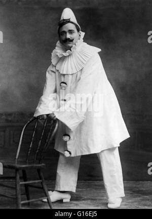 Caruso dressed as the clown, in 'Pagliacci'. Enrico Caruso (February 25, 1873 - August 2, 1921) was an Italian operatic - Stock Photo
