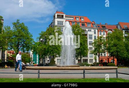 ... Brunnen, Viktoria Luise Platz, Schoeneberg, Berlin, Deutschland /  Schöneberg