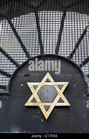 Star of David displayed at the entrance to a Jewish cemetery at North Gosforth. - Stock Photo