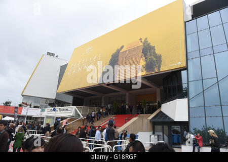 Cannes, France. 11th May, 2016. The Palais des Festivals at the 69th Annual Cannes Film Festival in Cannes, France, - Stock Photo