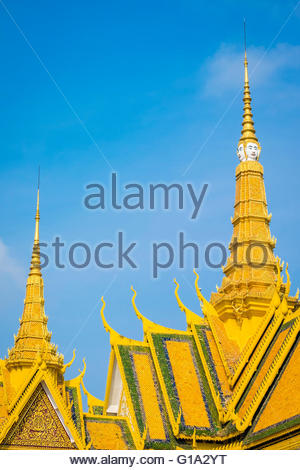 Khmer architecture, spire and roof of the Throne Hall (Preah Thineang Dheva Vinnichay) of the Royal Palace, Phnom - Stock Photo