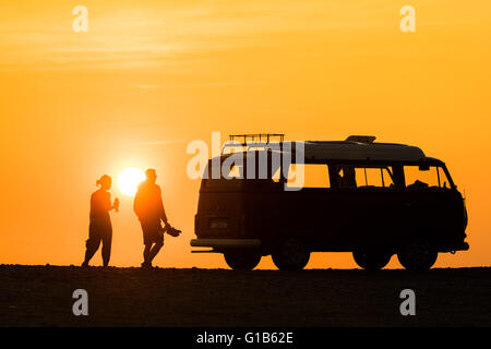 Clarach, near Aberystwyth , Wales UK.,  Thursday 12 May 2016   UK weather: A spectacular sunset over a classic VW - Stock Photo