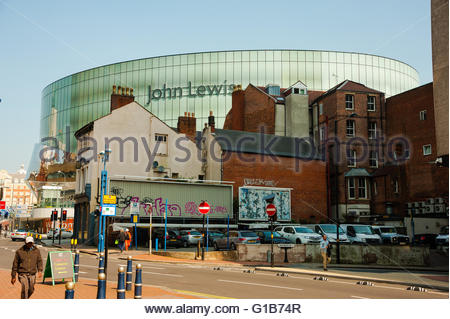 Birmingham, England, UK. 12th May 2016. UK Weather, Sunshine in Birmingham, the new John Lewis, Part of New Street - Stock Photo