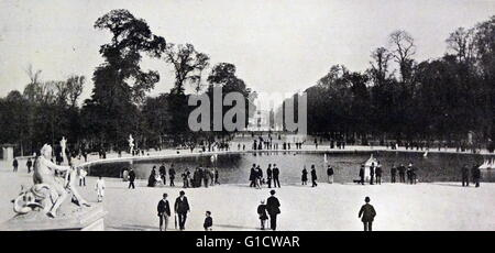 Photographic print of the Tuileries Garden, a public garden located between the Louvre Museum and the Place de la - Stock Photo