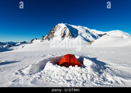 Europe, France, Haute Savoie, Rhone Alps, Chamonix, winter camping below mont Blanc - Stock Photo