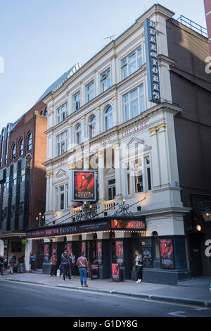 Doctor Faustus, Duke Of York's Theatre, London West End - Stock Photo