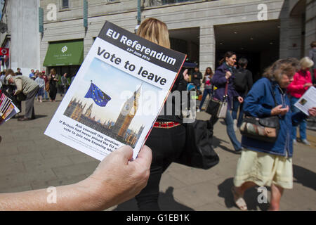 Wimbledon London,UK. 14th May 2016. Vote Leave and Grassroots volunteers distribute leaflets in Wimbledon town centre - Stock Photo