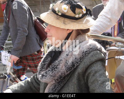 London, UK. 14th May, 2016. Annual Tweed Run 2016, London, UK, 14 May 2016 Credit:  Nastia M/Alamy Live News - Stock Photo