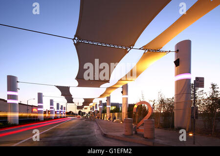 Martin Luther King Jr. Transit Center, Compton, CA by Base Architecture. Platform view. - Stock Photo
