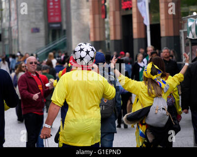 Liverpool UK 5th May 2016 Viilarreal fans in Liverpool City Centre - Stock Photo