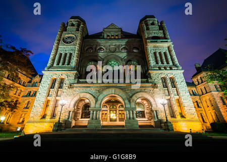 The Legislative Assembly of Ontario at night, at Queen's Park, in Toronto, Ontario. - Stock Photo