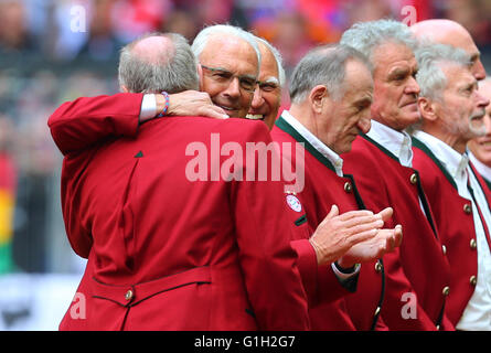 Munich, Germany. 14th May, 2016. Bayern Munich's former players Uli Hoeness (l-r), Franz Beckenbauer, Franz Roth, - Stock Photo