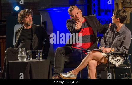 Neil Gaiman Two globally acclaimed writers Ð admirers of each otherÕs work Ð met on stage for the first time tonight - Stock Photo